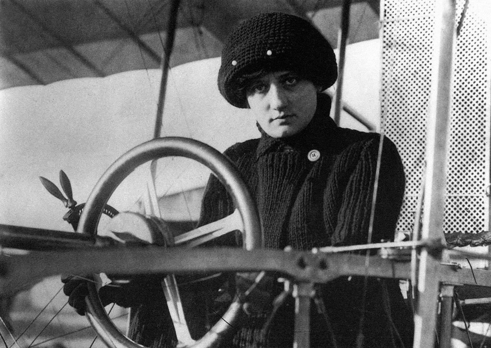 Risultati immagini per baronessa aviatrice Raymonde de Laroche
