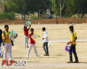 kite fighting - Patang - paper kite