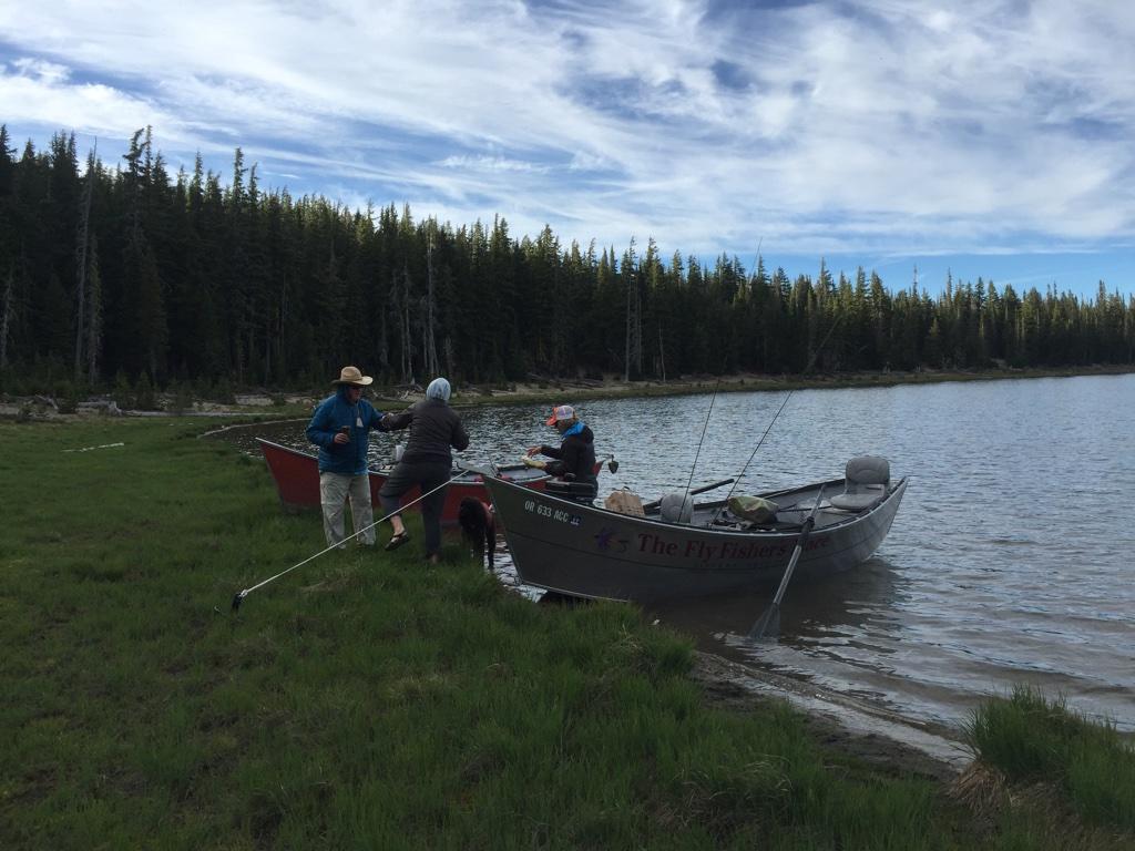 drift boats launching on 3 creeks lake