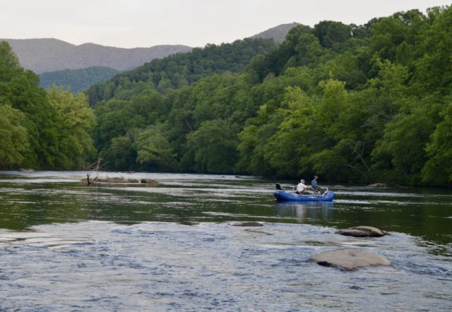 Fishing Guides Bryson City Maggie Valley Waynesville North Carolina, Pigeon Forge Gatlinburg Sevierville Tennessee Fishing Guide,