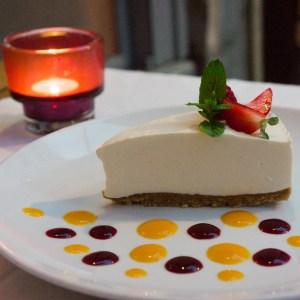 Cheesecake at Café des Bains