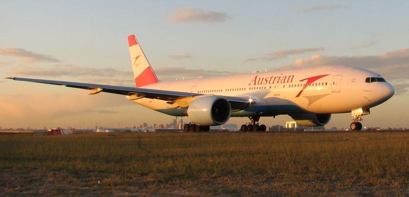 Boeing_777-200ER_Austrian_SYD