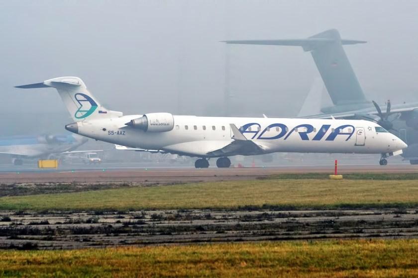 Adria_Airways,_S5-AAZ,_Canadair_CRJ-701ER_(22968771335)