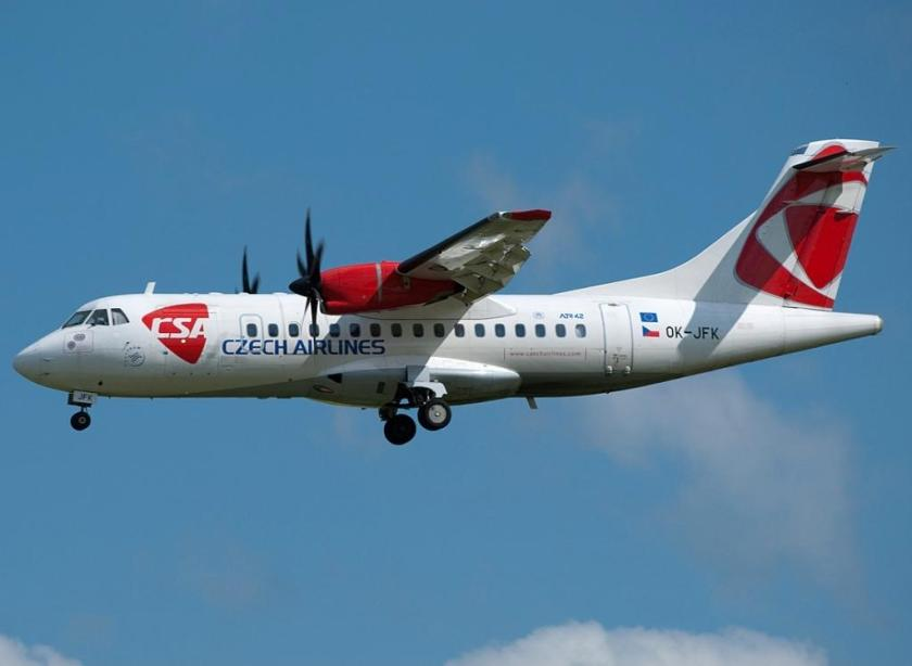 ATR_42-500,_(OK-JFK),_České_aerolinie