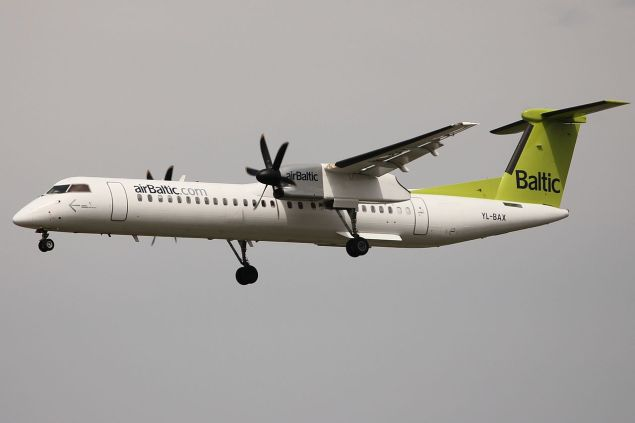 1280px-air_baltic_q400_yl-bax