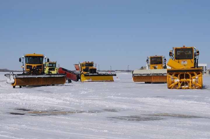 snow_removal_equipment_at_wichita_mid-continent_airport