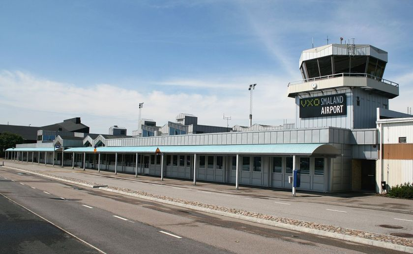 1280px-smaland_airport