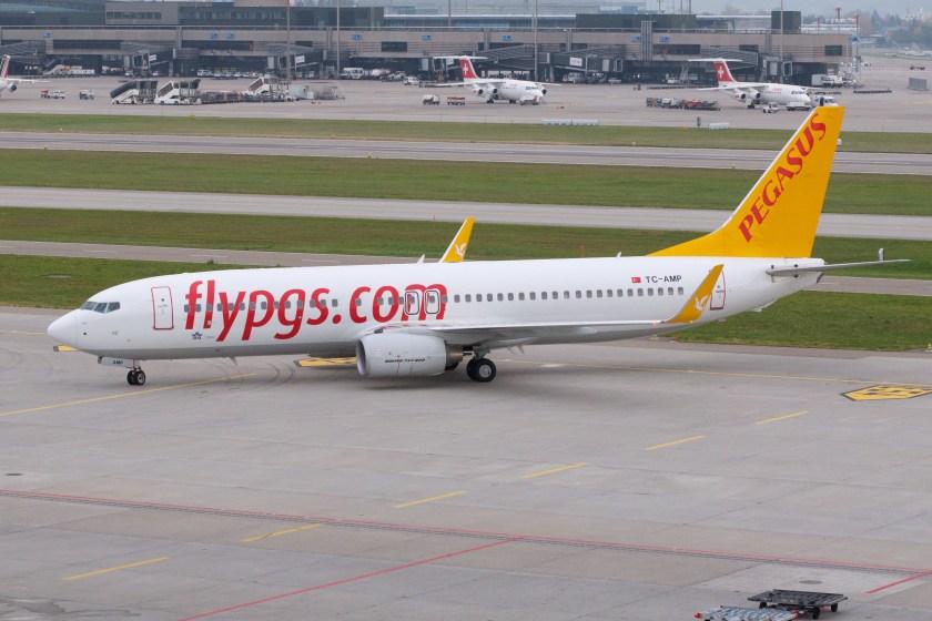 pegasus_airlines_boeing_737-800_tc-amp_zurich_international_airport
