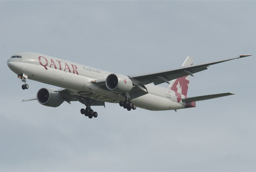Qatar_Airways_Boeing_777-300;_A7-BAA