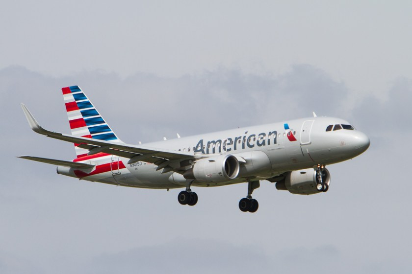 American_Airlines_Airbus_319_N9015D_Photo_151_(13836951084)