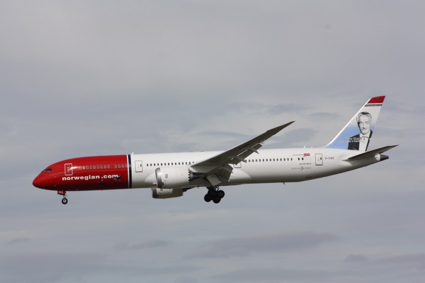 Norwegian_Air_UK_(Victor_Borge_livery),_Boeing_787-9,_G-CIXO