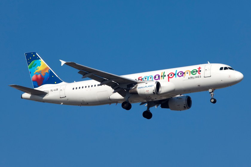 YL-LCE_A320_Small_Planet_Airlines_(5949761913)_(2)