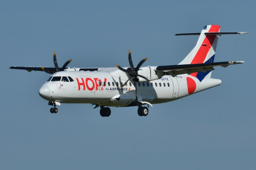 ATR_42-500_Hop!_(HOP)_F-GPYK_-_MSN_537_(9655090567)