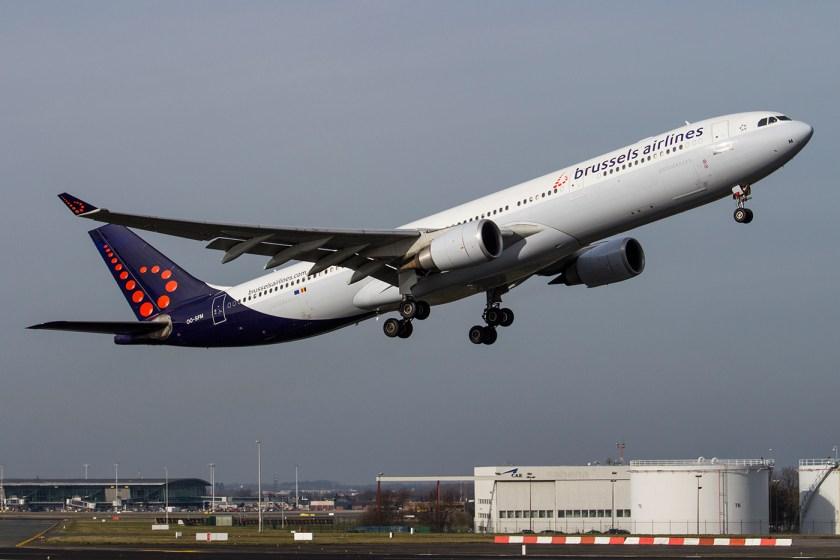 Brussels_Airlines_Airbus_A330-300_stijgt_op_op_Brussels_Airport