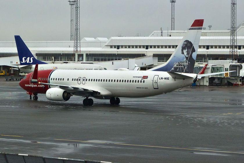 LN-NIE_737_Norwegian_ARN_02
