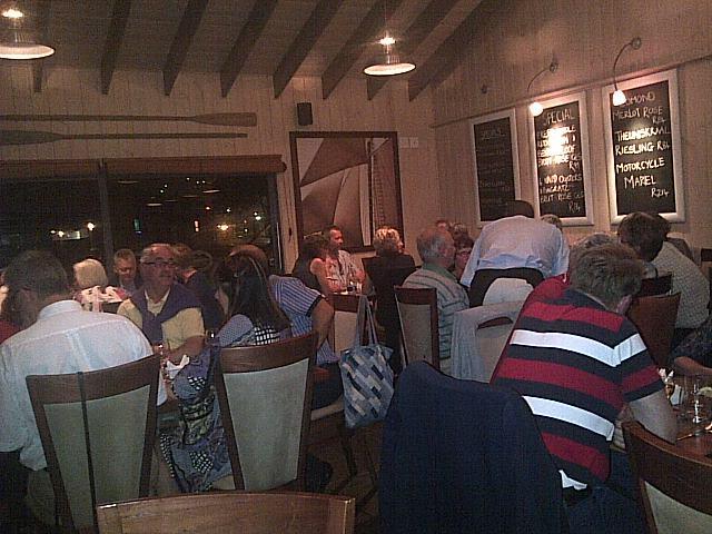 På Cruise Café i Knysna