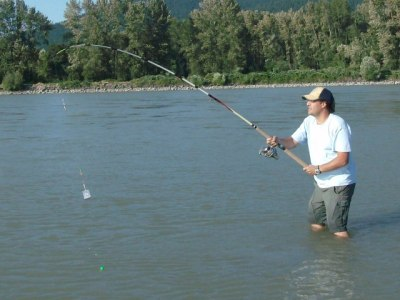 Bar fishing chinook salmon on the mighty fraser river for River fishing pole