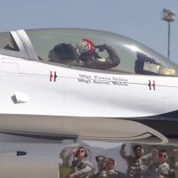 VIDEO - USAF THUNDERBIRDS SHOWING US HOW TO SALUTE THE GROUND CREW