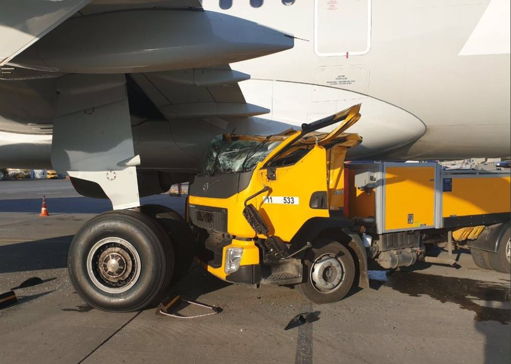 Truck crashed into A321
