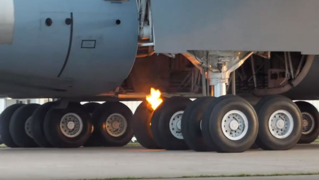C-5 brake fire after landing at Oskosh 2019