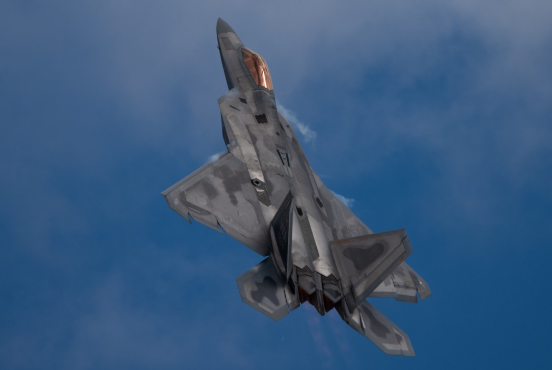 F-22 Twilight Demo at Oskosh 2019