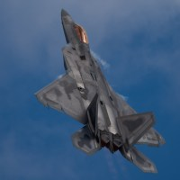 VIDEO - AWESOME F-22 RAPTOR TWILIGHT AFTERBURNER DEMO AT OSHKOSH 2019