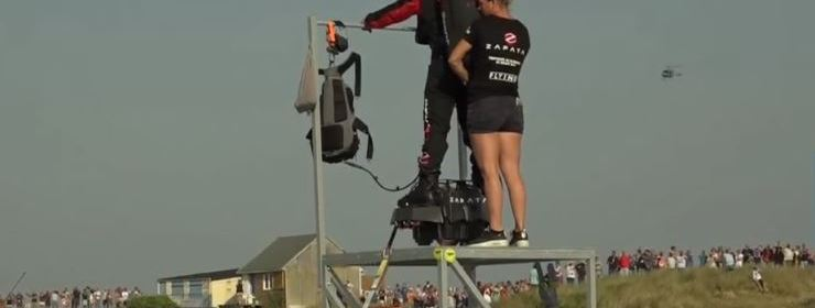 Franky Zapata tried to cross the English Channel on his Flyboard Air