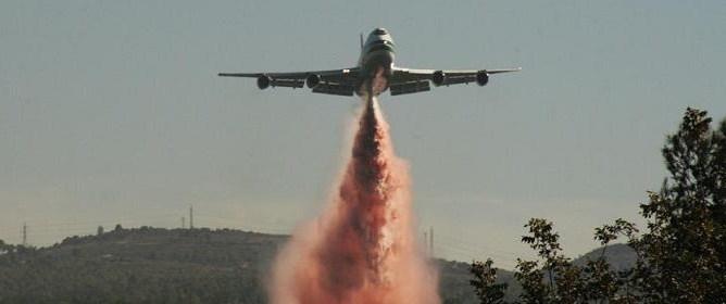 B747 Supertanker battling wildfires