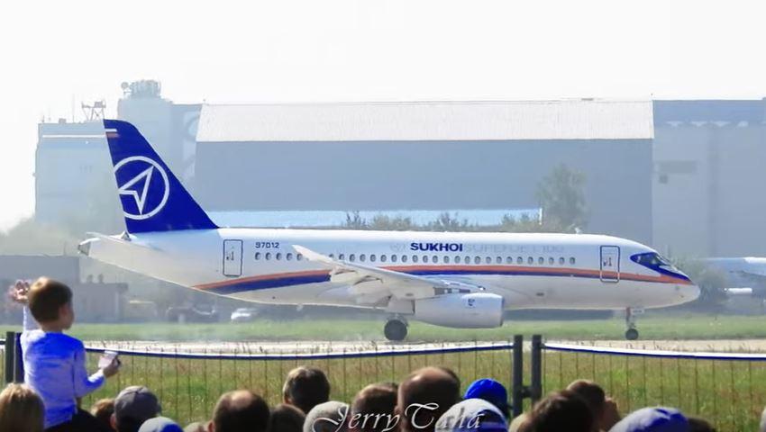Sukhoi Superjet 100 Extreme Short Landing at MAKS 2019 - Image: JERRY TAHA