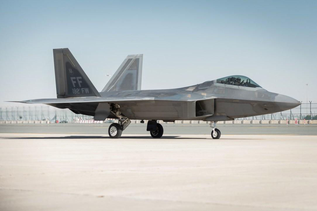 USAF F-22 arrives for the Dubai International Air Show
