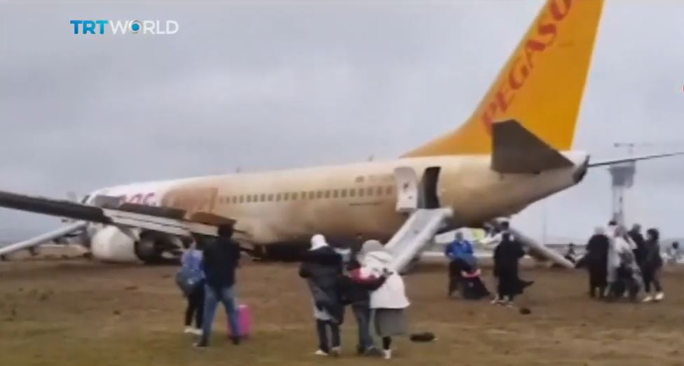 Pegasus Airlines Boeing 737-800 skidded off runway at Sabiha Gökçen Airport