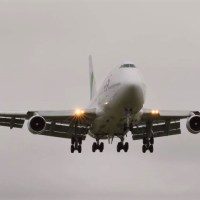 VIDEO - WAMOS AIR BOEING 747 CARRYING 110 PEOPLE EVACUATED FROM CHINA LANDS IN UK