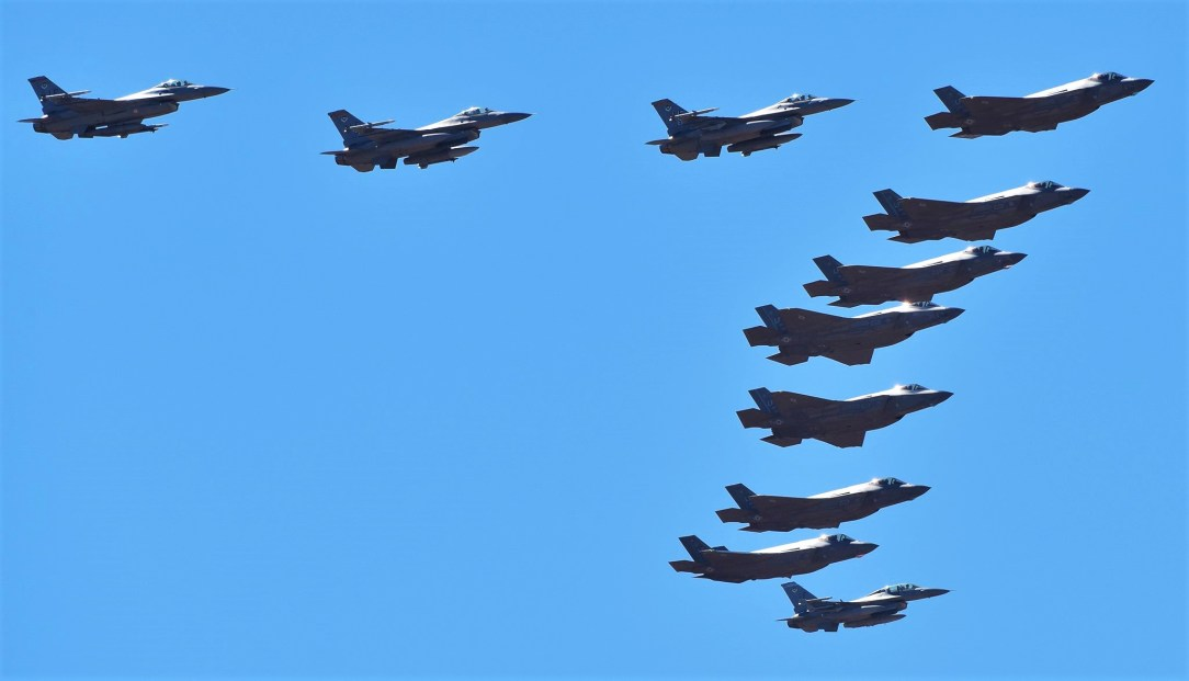 Massive 17-ship formation Flyover in Phoenix Area for America Strong
