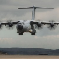 VIDEO - RAF AIRBUS A400M CARGO AIRCRAFT CONDUCTS SPECTACULAR BEACH LANDING