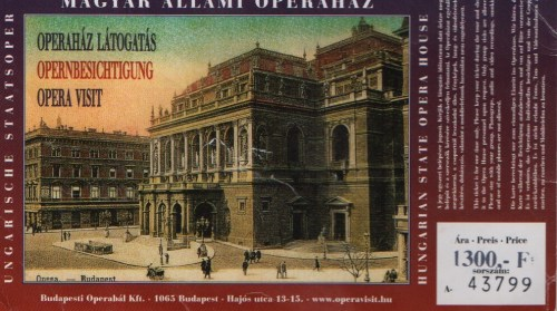 A postcard showing a photo of the Magyar Allami Operahaz, Hungarian State Opera House