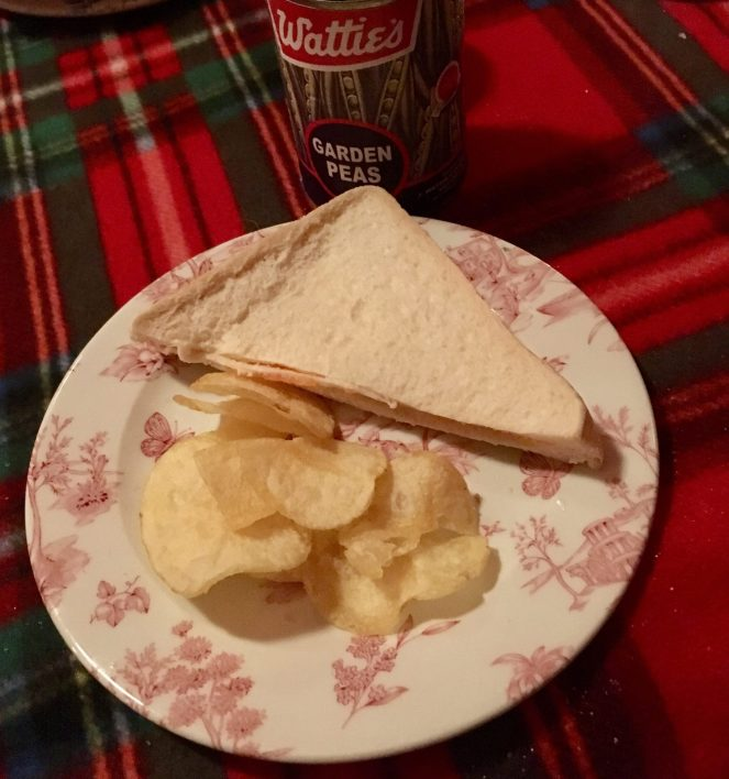 Cahoots Squiffy Picnic - My sandwich and crisps