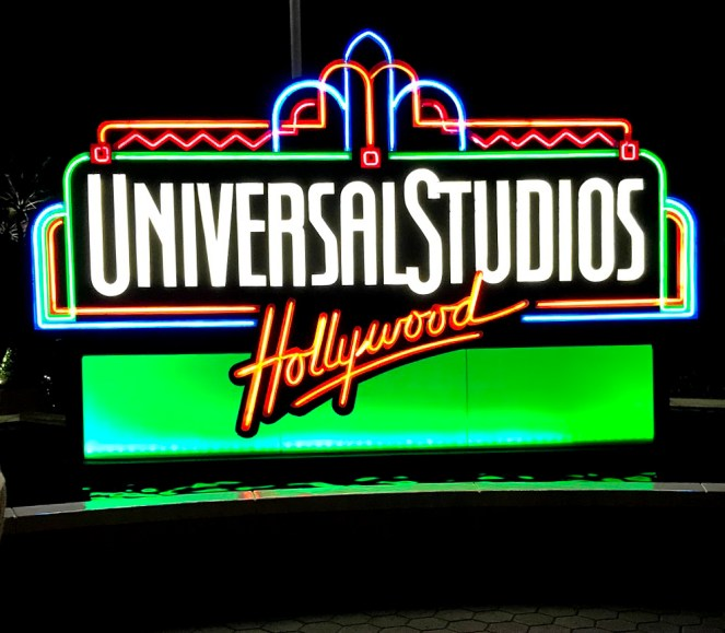 The neon Universal Studios Hollywood sign
