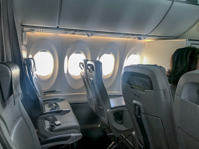 airBaltic A220-300 business class cabin