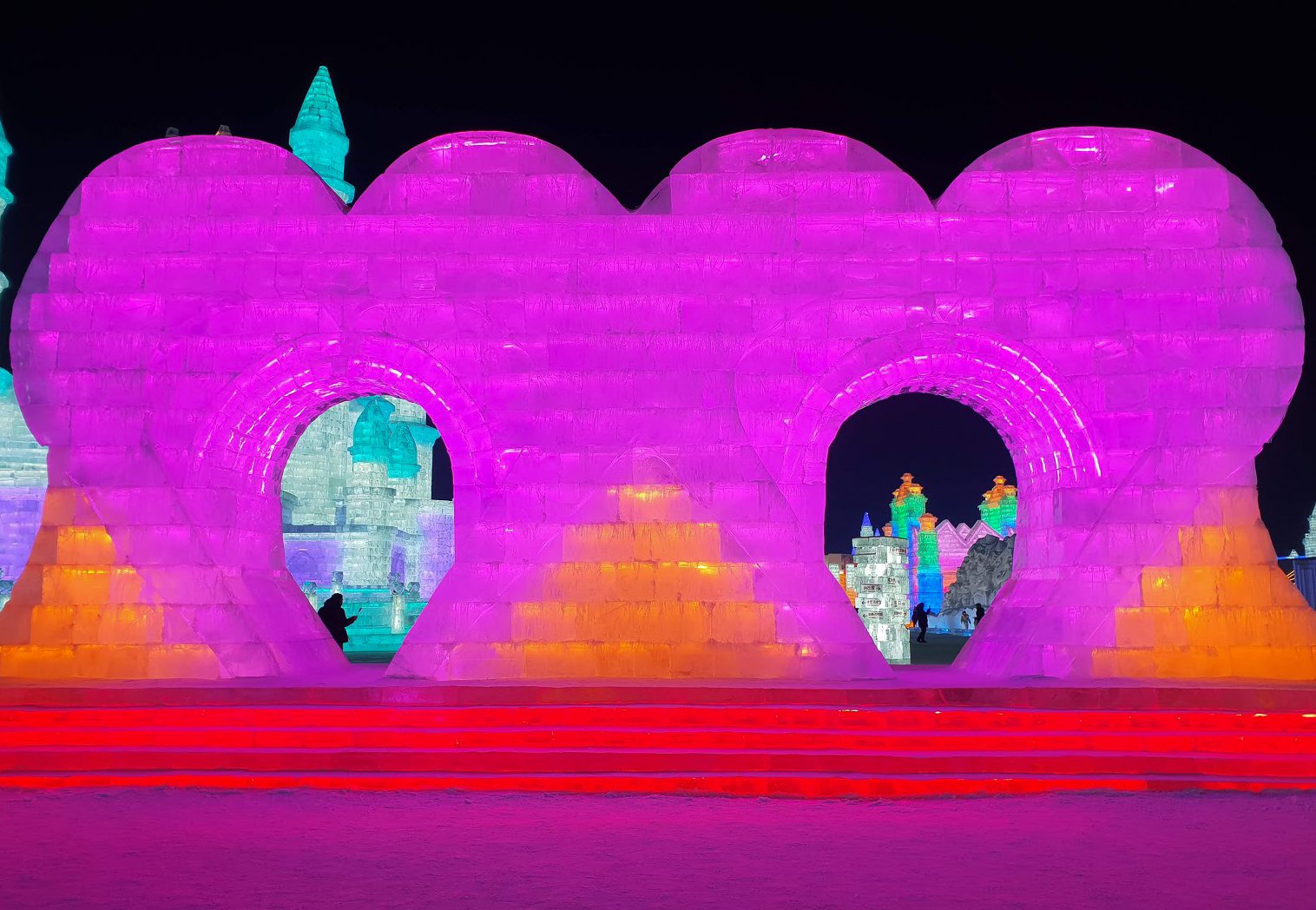 2 large loveheart ice sculptures lit in pink at Harbin Ice and Snow World