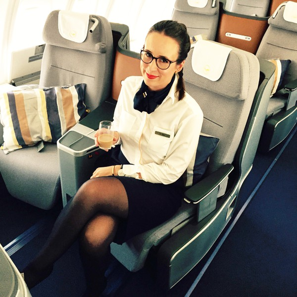 10 Reasons why Flight Attendant is the better job