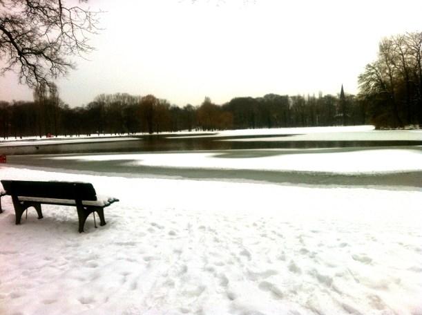 Kleinhesseloher See in Winter