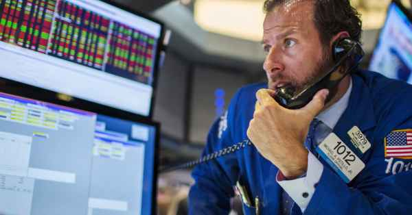 Stocks making the biggest moves premarket: CMCSA, ORCL ...