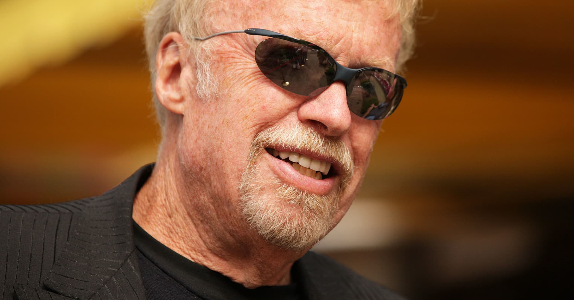 How Phil Knight Turned A Dream Into A 25 Billion Fortune