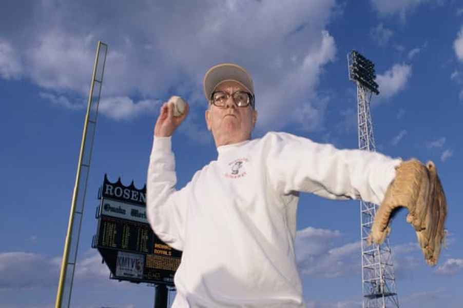 Warren Buffett's secret to investing lays in the game of baseball