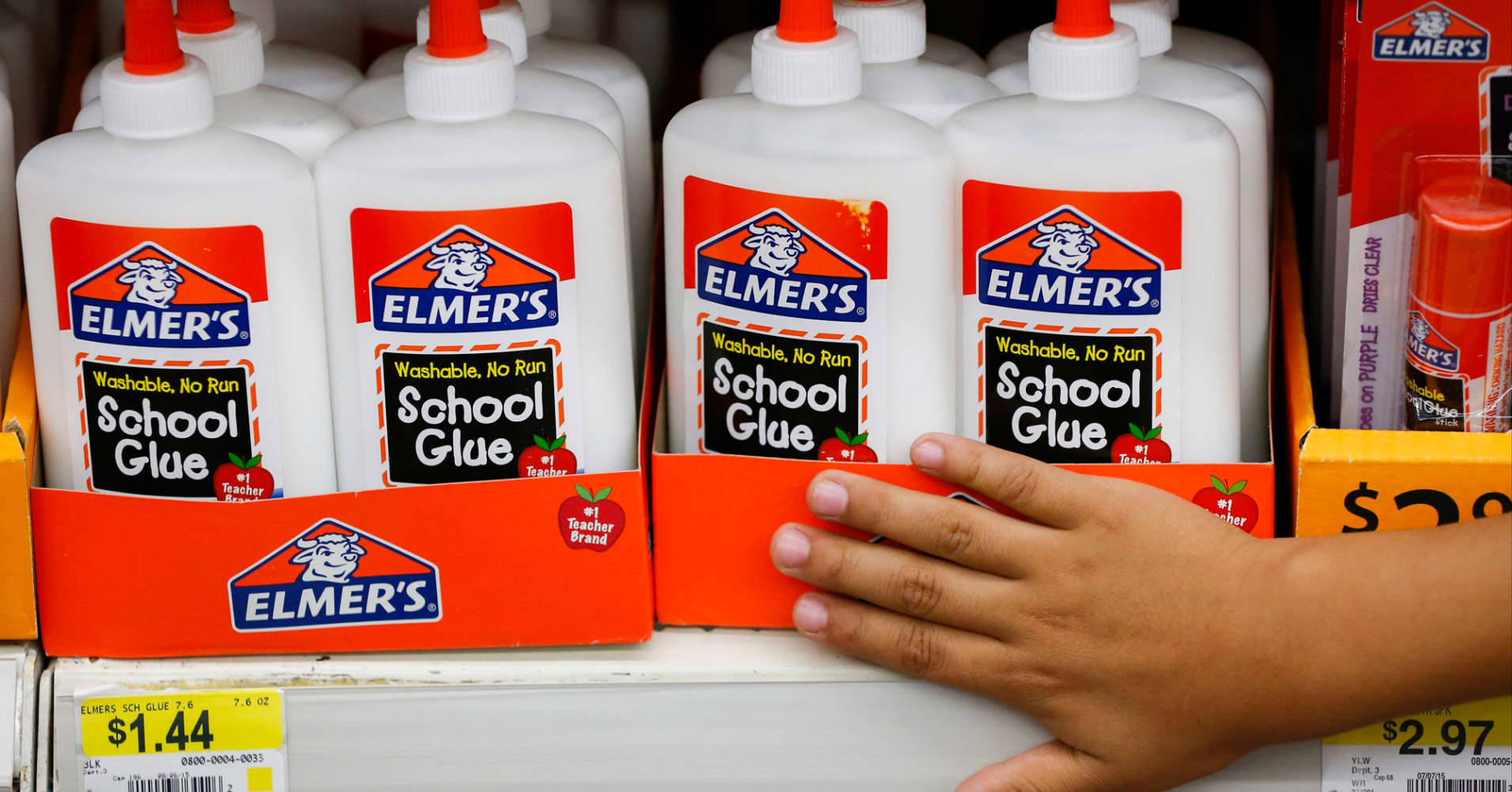 Stores Can T Seem To Keep Elmer S Glue On Shelves Here S Why