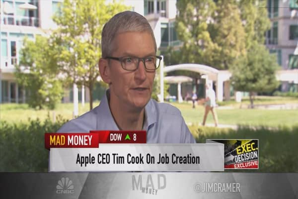 Apple just promised $1 billion boost to US manufacturing