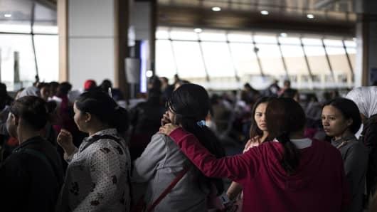 Philippines Duterte declares permanent ban on workers ...