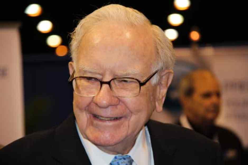 Warren Buffet hace uso de la palabra en la Reunión Anual de Accionistas de 2018 Berkshire Hathaway en Omaha, NE el 5 de mayo de 2018.