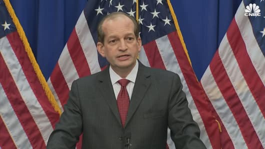 Labor Secretary Acosta defends Epstein plea deal