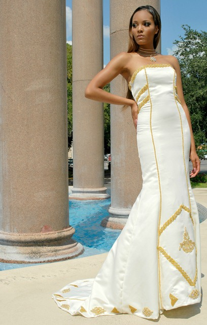 africa-wedding-dress-golden-details11 African Wedding Dress-20 Outfits to Wear for an African Wedding